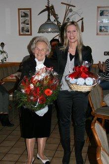 Lore Palm mit Ortsvorsitzender Agnes Mendel