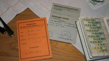 Mitgliedsausweise aus 1945 und 1948