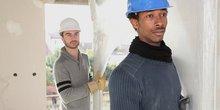Bild von Colourbox.de mit Handwerkern mit Migrationshintergrund