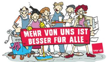 """Zecihung: 6 Personen schauen den Betrachter an und halten ein Transparent mit der Losung: """"Mehr von uns ist besser für alle"""""""